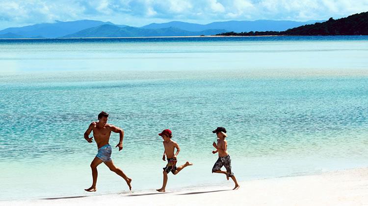 hayman_island_pool_beach_people_kidsonly